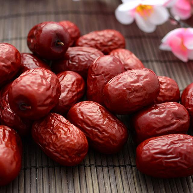 胃痛胃酸老不好? 常吃这几种食物, 保护胃黏膜巧防胃痛困扰