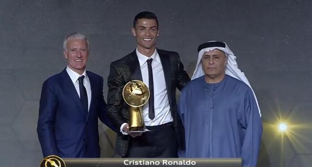 3连冠! C罗第5次当选环球足球奖最佳球员, 比梅西多4次