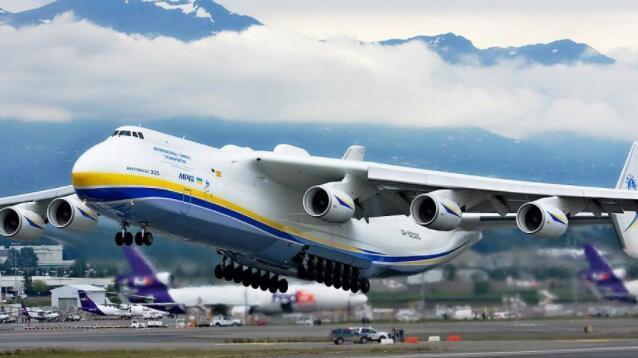 《流浪地球》中大型运输机原型,全球仅此一架,中国研制被美搅黄