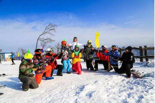 16年前的爱情,是从起齐齐哈尔的冰雕,滑雪、老虎和烤肉开始