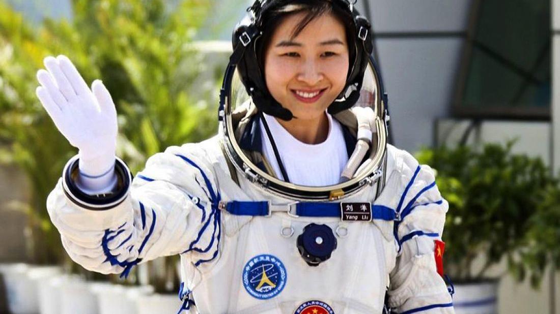 我国第一位女航天员刘洋从太空回来后过得怎样呢?