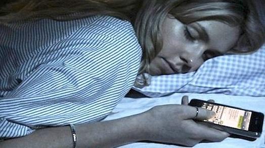 """每年55万人因熬夜而猝死,这15个""""必须休息""""的信号,你不能视而不见"""