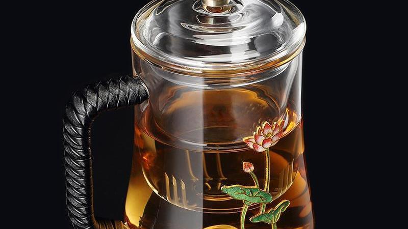 还在为喝茶吃到茶叶而烦恼?一个小小的东西就能解决