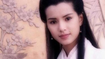 我不愿意相信,这满脸玻尿酸的女人,会是曾经饰演小龙女的李若彤