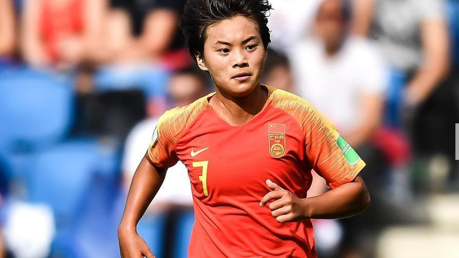 中国女足世界杯出线!她比王霜发挥出色,被豪门看中去欧洲踢球?