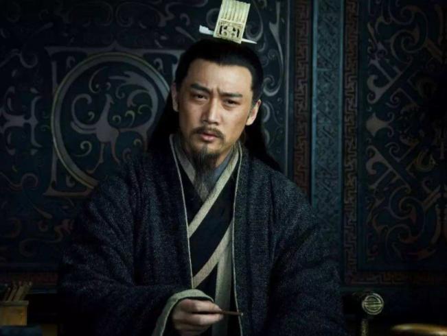 法正有一致命缺点:诸葛亮不报知刘备 是因为诸葛亮的恣纵吗?