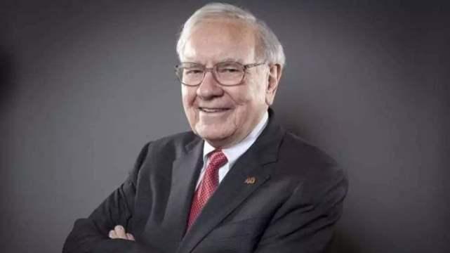 """他是世界""""隐形""""首富:在银行存了7000亿,每年利息就140亿"""