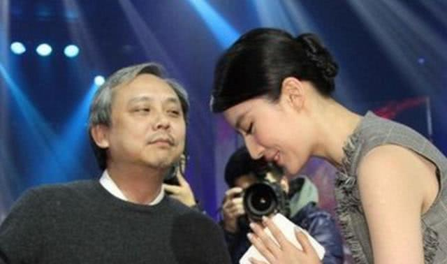 刘亦菲不愿回忆的一幕,现场尴尬,网友:我也想被你抚摸!