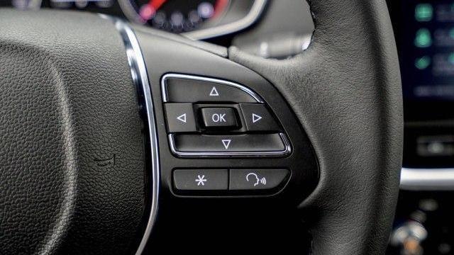女司机提了辆荣威RX3,她如何评价这款车呢