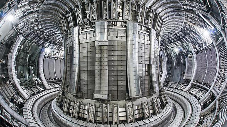 10秒爆发300000千瓦!人造太阳巨型发电机已就位,重800吨比5层楼还高