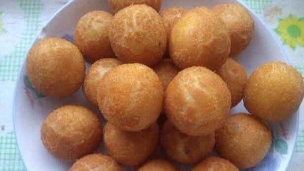 4个红薯, 不放一点面粉, 做红薯丸子, 外脆里软, 比煎饼香太多了