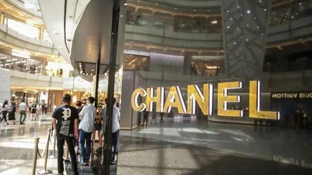 走访广州最大高仿奢侈品市场,才知道闺蜜代购的LV包都来自这里