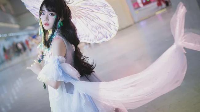 cosplay:《剑网三》凌绝伞萝@薏仁米