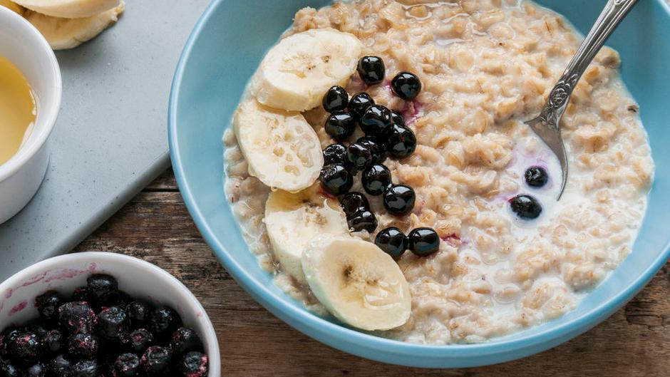 早餐吃超模钟爱的燕麦粥,吃不胖的营养美食,连吃一个月不重样!