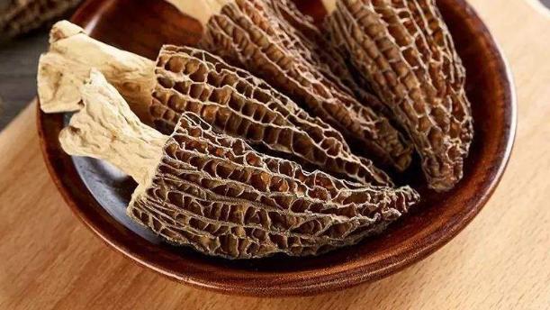 羊肚菌长得很像羊的肚子而得名,这种菌营养丰富,味特别鲜