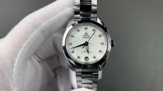 """优雅知性,手表可不是男士""""专属"""",这几款女士腕表都是经典。"""