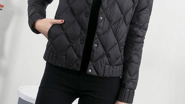 """突然发现,今年的""""短棉衣""""超火!适合微胖女人,显高保暖又显瘦"""