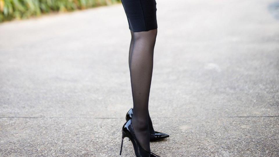 黑色梅花印饰蕾丝薄纱包臀长裙, 姐姐的暗黑穿搭颇具古典优雅