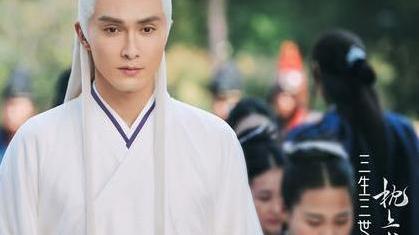 《枕上书》:东华帝君为何不待见墨渊?只因在剧中从未露面的她!