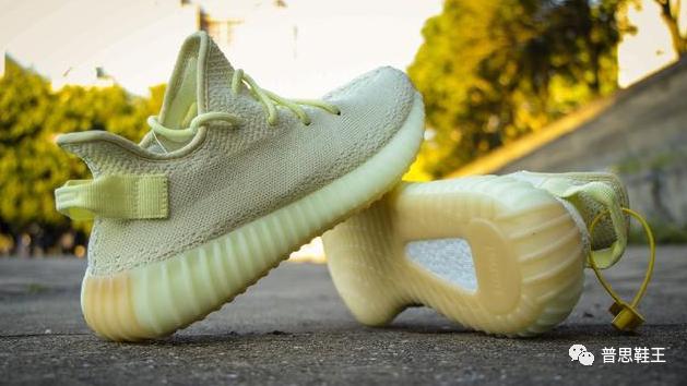 """看了Adidas Yeezy 350 V2 """"黄油"""" 真假测评,你的鞋是正品吗"""