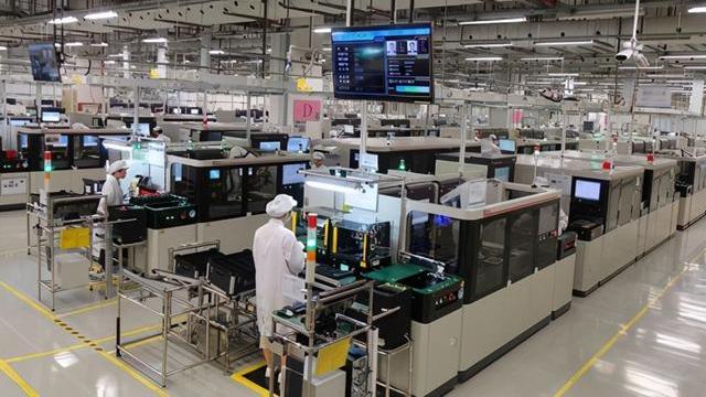 国产手机代工厂比例排名:华为18%,小米74%,这家厂商为零