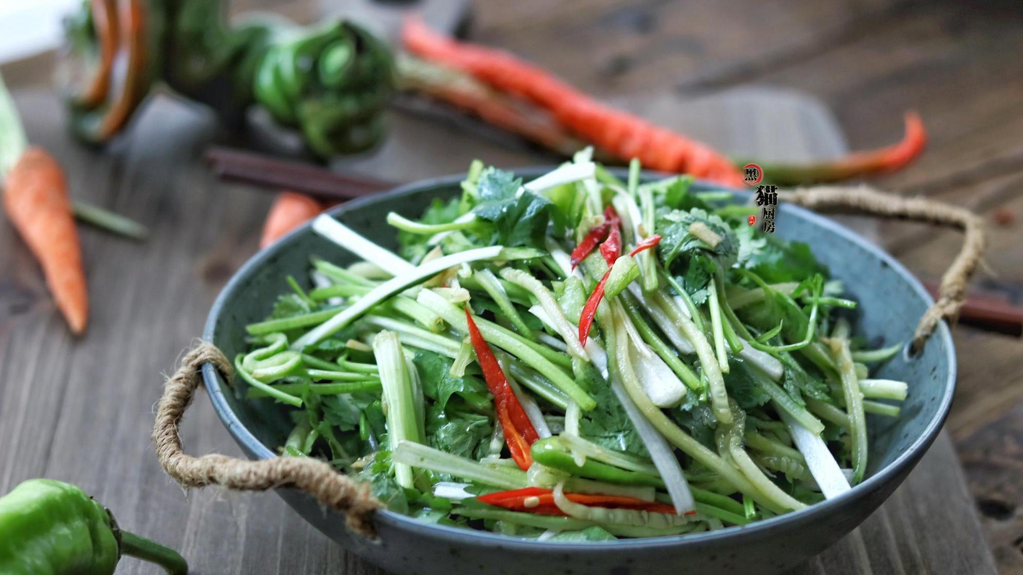 南方人最钟爱的东北家常菜之一,解腻清肠胃,吃过一次就念念不忘