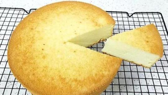 最基础的蛋糕做法,酸奶香软戚风,学会都不用买生日蛋糕!