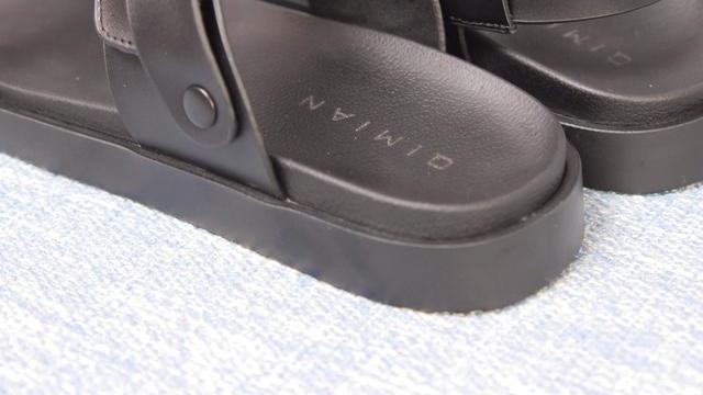 小米七面冬天产纯皮凉鞋?内含小机关,可以当两双穿