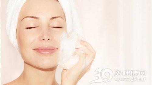 补水乳液使用方法是怎么样的 混合性皮肤水乳排行榜