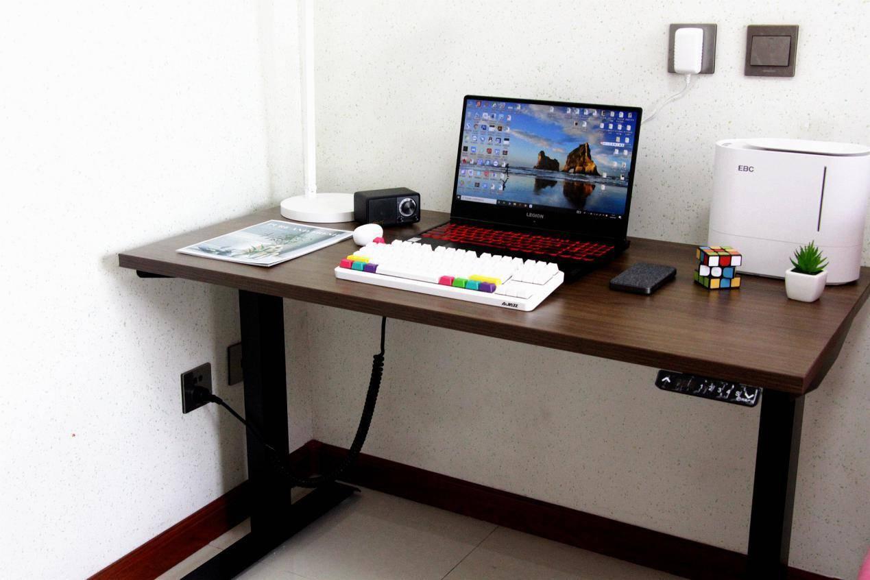 坐站快速切换,打造健康办公新潮流:网易严选电动升降桌评测