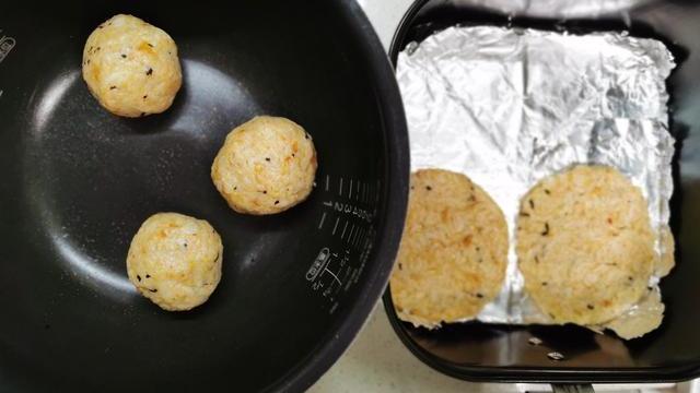 酥脆肉松米饼,做法简单,当零食当主食都可以
