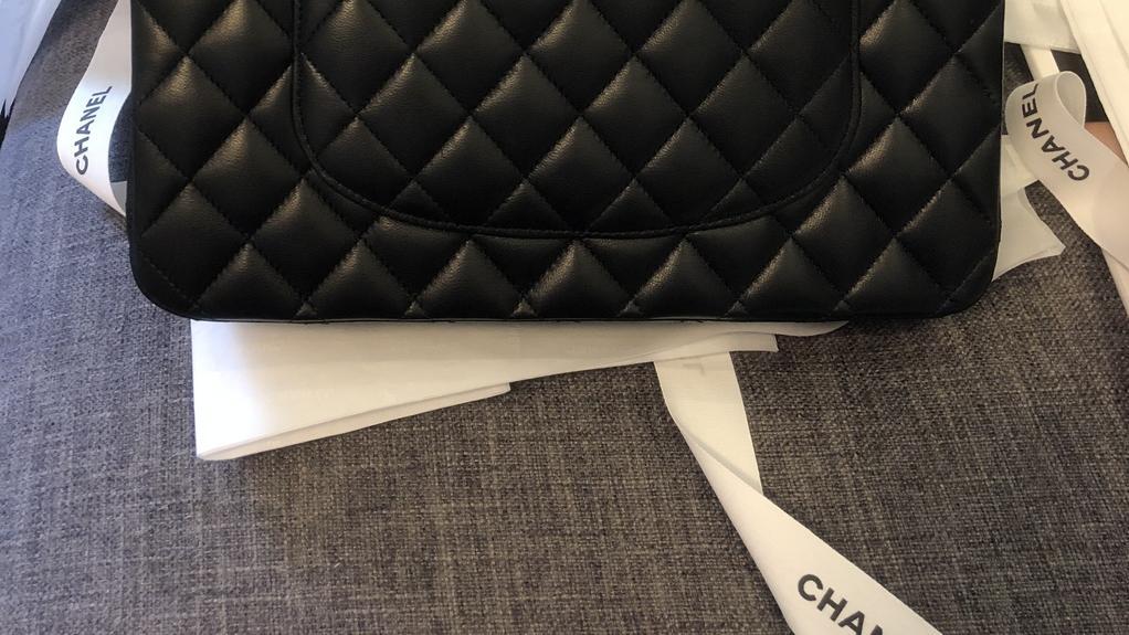 正品开箱CHANEL Classic Flap bag香奈儿经典款包包尺寸以及实拍