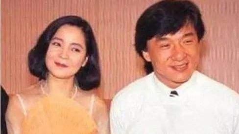 25年前邓丽君酒店猝死,左脸现巴掌印,25年后钟南山揭开死亡真相