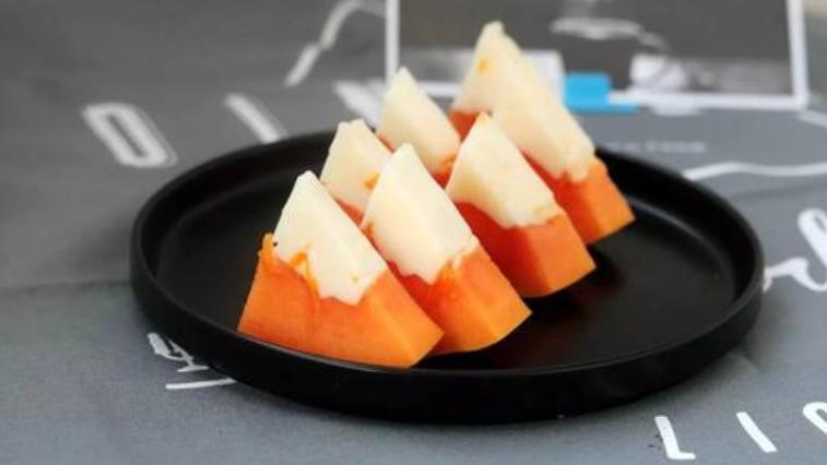 夏天吃的椰奶木瓜冻在家就能做,又嫩又滑