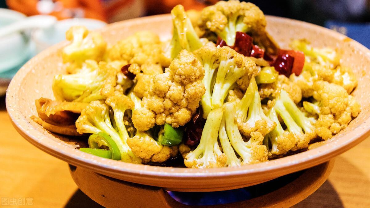减脂餐系列之三文鱼炒花菜饭,每天坚持减糖饮食越吃越瘦