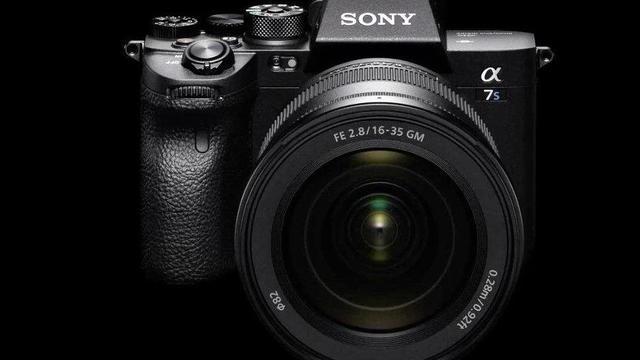 手机都1亿像素了,为何索尼还发1200万新机?看相机产品如何定位