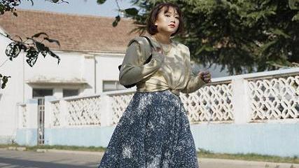 胖女孩秋冬怎么穿?借鉴时尚博主的穿搭思路,微胖也能时髦出彩