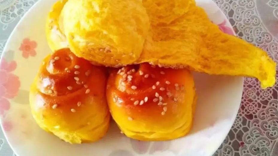 颜值和营养并存的南瓜玫瑰卷,和蒸馒头一样简单,出锅孩子抢着吃