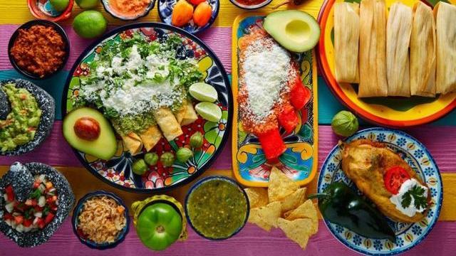 美食穿越之旅:阿兹特克和玛雅人的饮食传统
