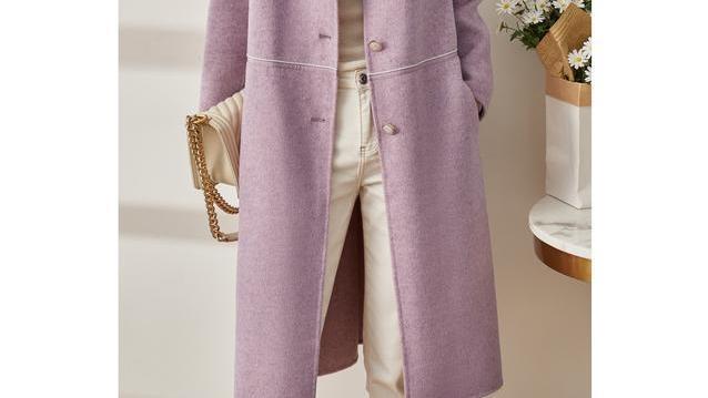 初冬通勤换上这羊绒大衣,走哪都时髦大气,搭高领衫和牛仔裤贼美