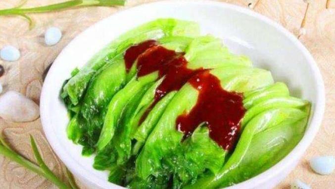 做蚝油生菜,直接焯水就发黑,多加这1步,生菜翠绿又入味