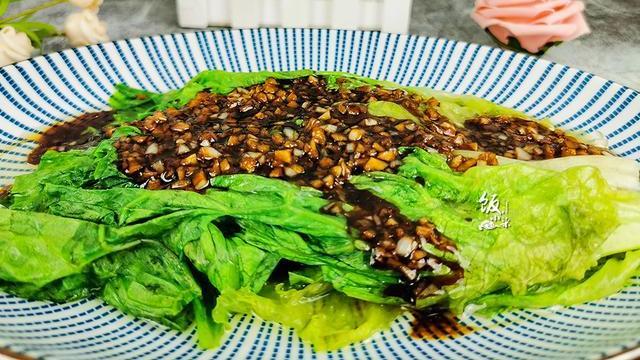 """富含膳食纤维的""""减肥菜"""",5分钟做一盘,百吃不腻,成本3块钱"""
