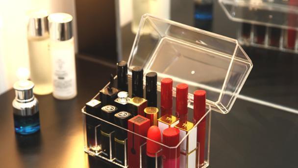 不到1㎡的化妆桌如何整理?百条收纳法则,不如这6件工具