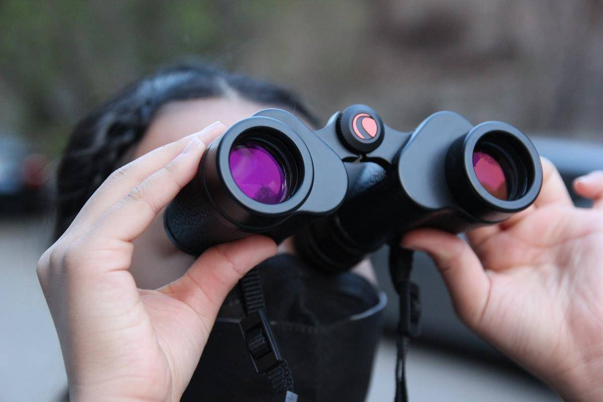 小米有品军款复古,看千米风吹草动,星特朗经典双筒望远镜评测