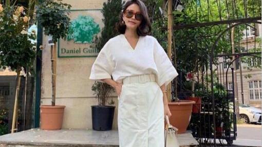 45岁女博主把纯色穿火了!中年女人的时尚果然气质比时髦更重要