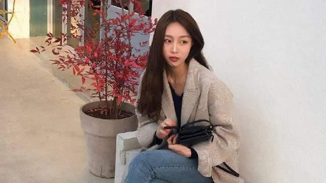 分享韩国女生的3个穿衣技巧,拥有简单时尚感,初学者也可以照搬