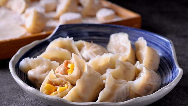 自从学会了玉米猪肉馅儿饺子做法,一周吃了5天,全家都吃不够