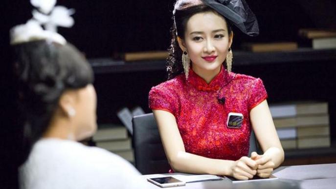 37岁王鸥和33岁杨幂穿旗袍,一个像贵妇,另一个却像小丫鬟!
