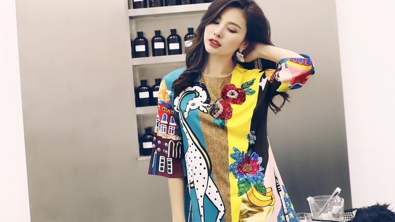 35岁女人穿衣别掉价,名媛风连衣裙,让你女人味十足