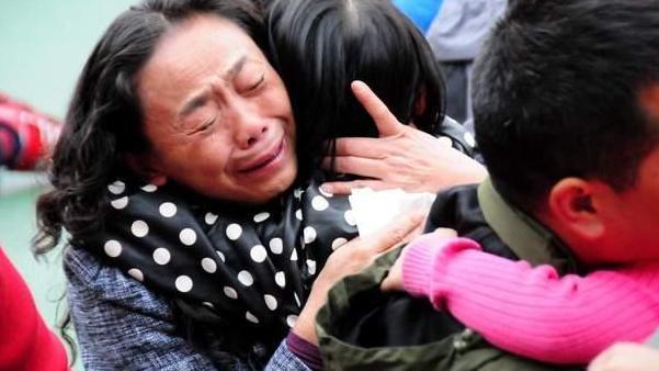 """""""毒奶粉""""危害有多大?央视又一次曝光,专门便宜卖给中国父母!"""
